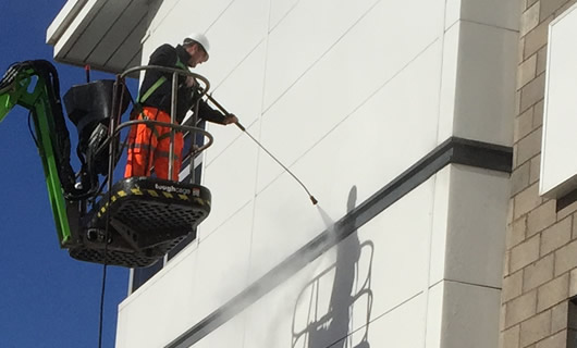 Pressure washing services in Cumbernauld, Edinburgh and Glasgow