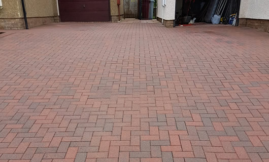 Jet washing patios, slabs and block paved areas